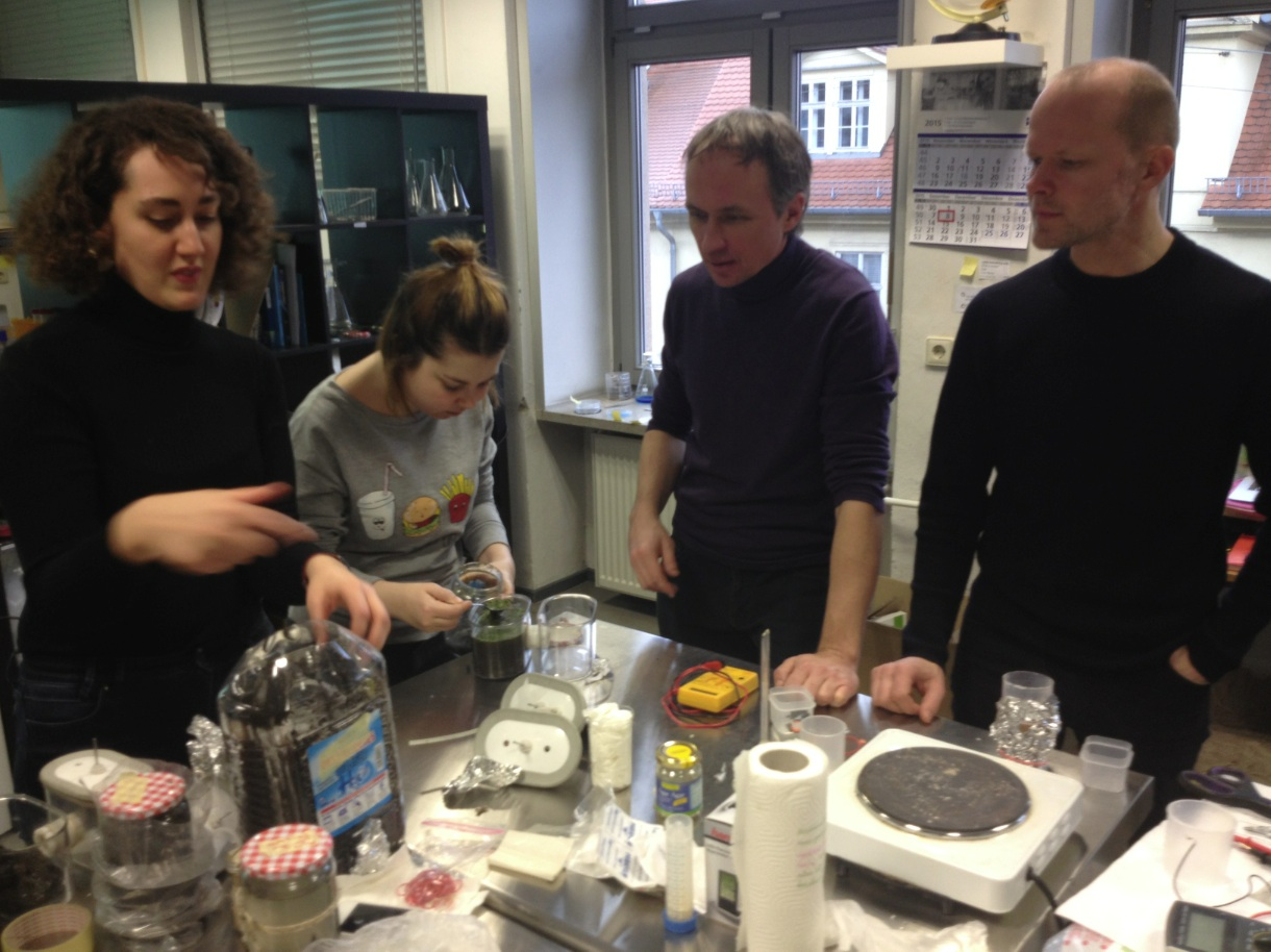 Bacteria battery workshop and public lecture in Weimar